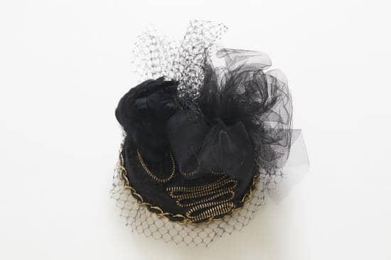 """【インタビュー】元WyolicaのAzumi。ソロアーティスト/デザイナーとして活躍する""""今""""に迫る Interview_Tuno_by_azumi_Swan-Dress-Hat-1-1"""