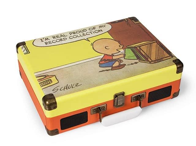 スヌーピーで有名な漫画「ピーナッツ」とレコード・プレイヤーがコラボ!