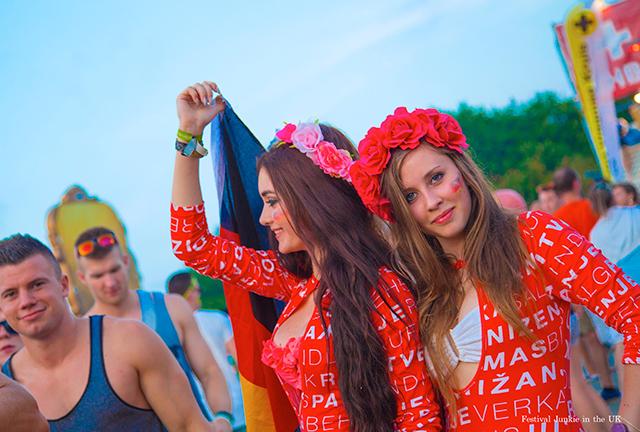 海外フェスで見つけた世界の美女&お洒落ベスト10! column141104_nekomeguro_5