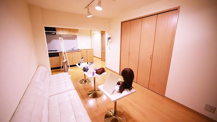 女装グッズ専用ロッカールーム「じょそっこ更衣室」が新宿にオープン! life150213_jyosokkokouisitu_sub1