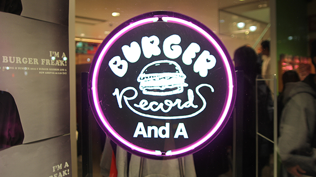 REXX、<BURGER RECORDS And A POP UP STORE>にて日本初パフォーマンスを敢行! music150303_rexx_2