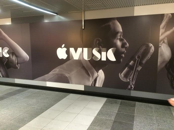 渋谷駅に突如出現したApple Musicの広告がカッコイイ! img112