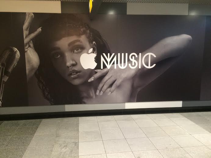 渋谷駅に突如出現したApple Musicの広告がカッコイイ! img31