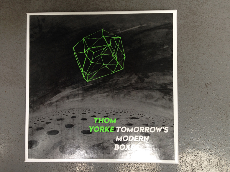 "トム・ヨーク2ndアルバムの""CD""がHOSTESS CLUB ALL-NIGHTER会場でゲリラ発売!?Thom Yorke released exclusive version of Tomorrow's Modern Boxes in Japan. music150815_tomyork_1"