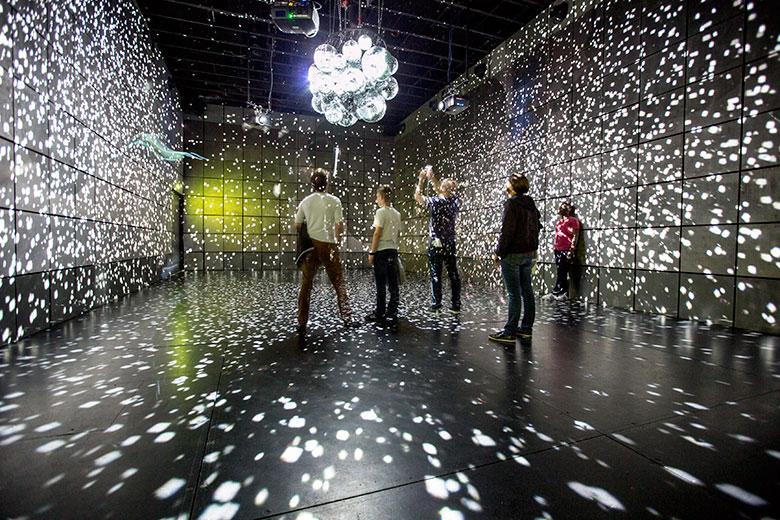 文化の中心パリで開催!アーティスティックでエキサイティングな1ヶ月 music150915_rbma_2