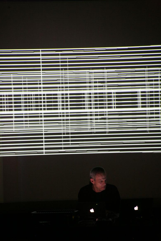 電子音響のパイオニア、フランク・ブレットシュナイダーに迫る interview151027_emaf_4