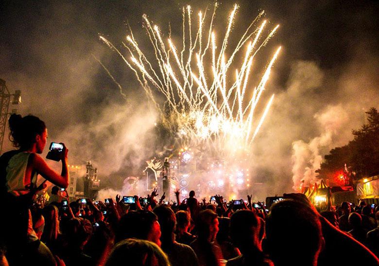 オランダの爆音に踊った夏 Hardcore 野外Festival 2015 最前線:前篇 A Summer of Dancing to Dutch Blasts Hardcore Outdoor Festival 2015The Frontline: Part I music151021_hardcore_1