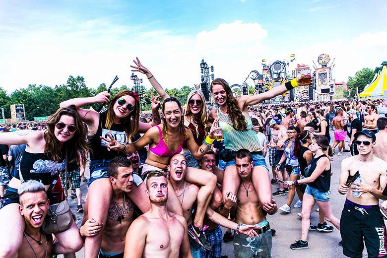 オランダの爆音に踊った夏 Hardcore 野外Festival 2015 最前線:前篇 A Summer of Dancing to Dutch Blasts Hardcore Outdoor Festival 2015The Frontline: Part I music151021_hardcore_17