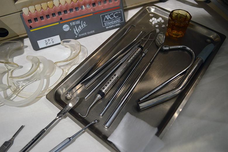 医療器具をコレクション?!新宿座プロデュースの医療器具展 DSC_0216