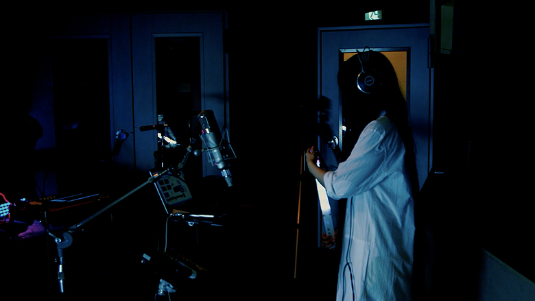 やくしまるえつこ、即興・朗読・数字を扱う実験コンセプトアルバム発表 music160205_yksmr_1