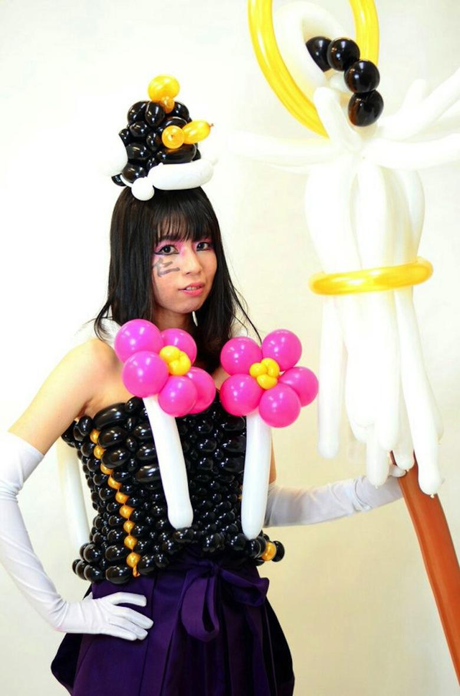 """ファッションショーで鬼退治!?Kawaiiの聖地原宿で""""痛バルーン""""披露"""