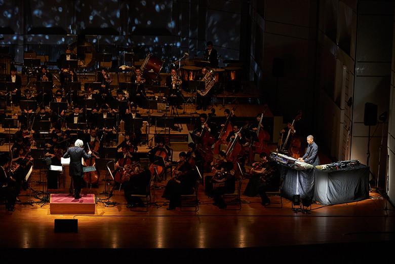 ジェフ・ミルズと東京フィルハーモニー交響楽団による音楽の宇宙飛行を体験! music160330_jeffmils2-780x521
