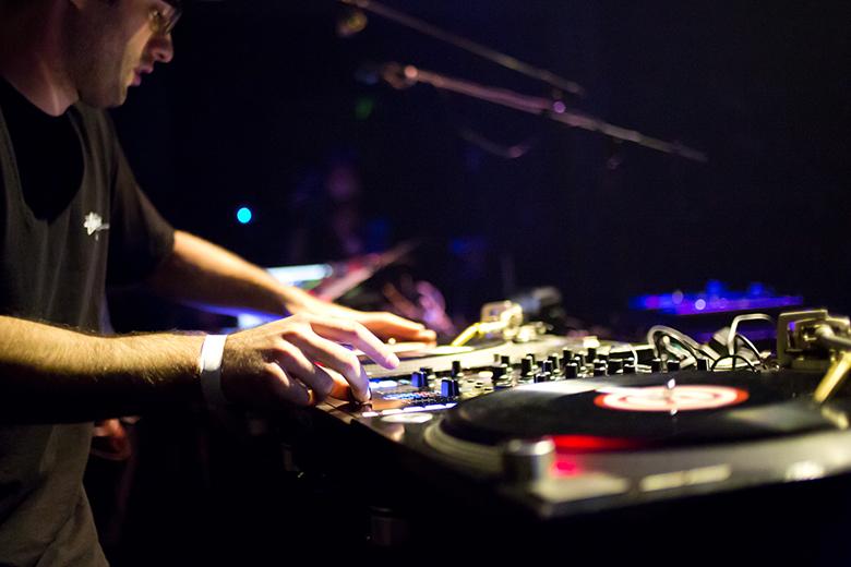 世界最大のDJ大会<DMC JAPAN>今年も開催決定!DJ同士の戦いを見逃すな! muisc160422_dmc_4