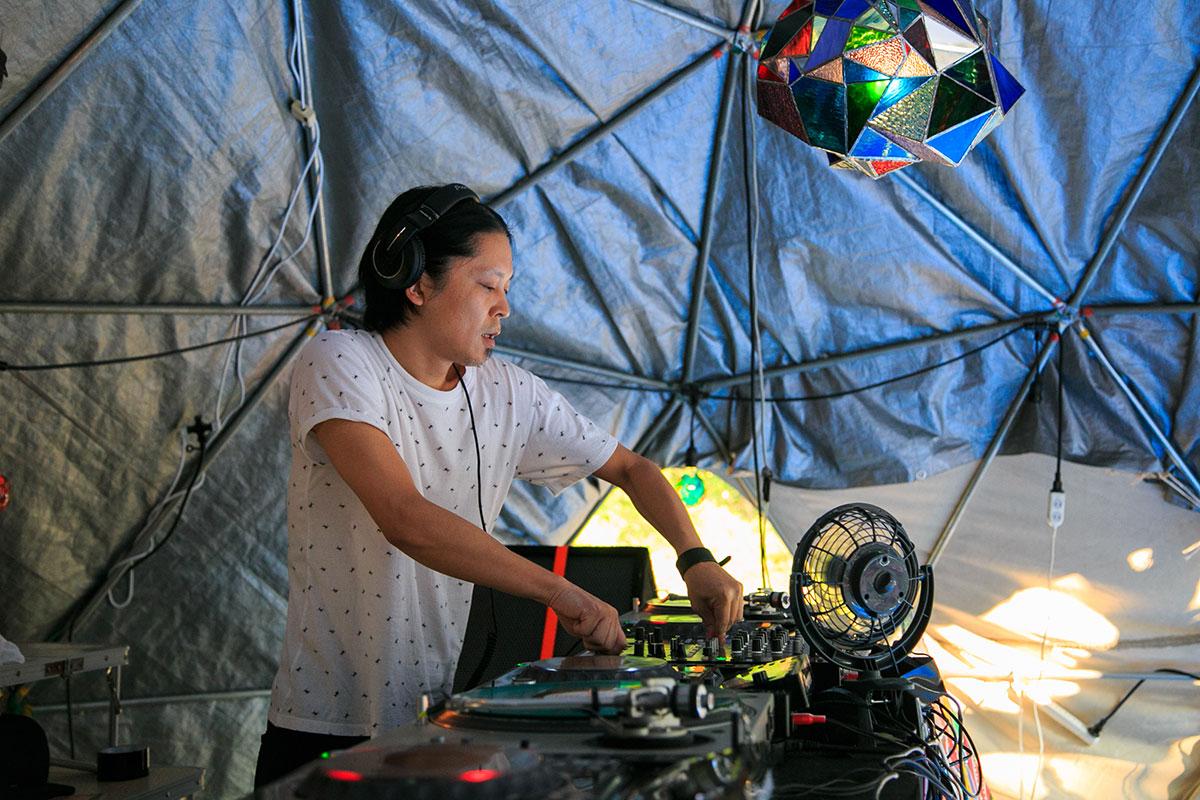 富士山麓の野外テクノフェス!第1弾にKEN ISHII、DJ SODEYAMA、DJ YOGURTら music160711_sawagi_3