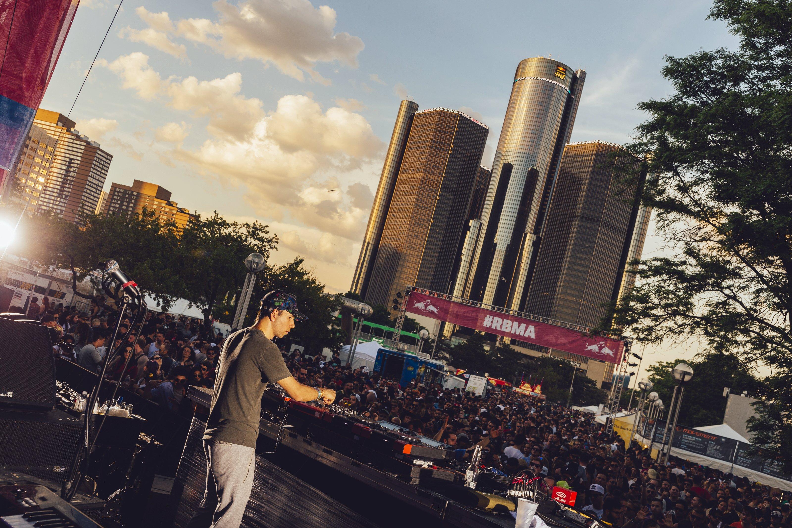 ビョーク、イギー・ポップら出演!Red Bull Music Academy Montrealのプログラム発表 P-20160530-00396_News