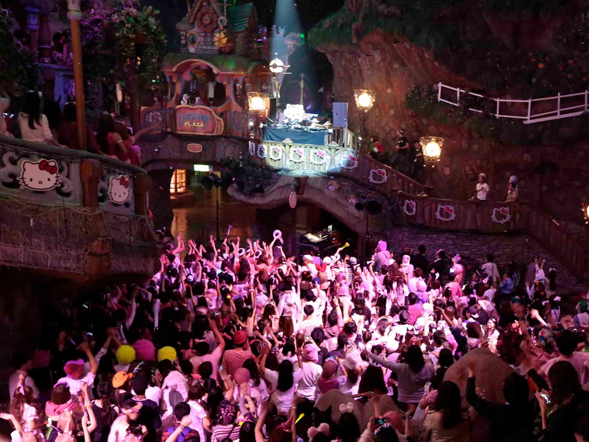 サンリオ × TAICOCLUBハロウィンオールナイトパーティ今年も開催!第一弾にテンテンコら life160810_pink_5