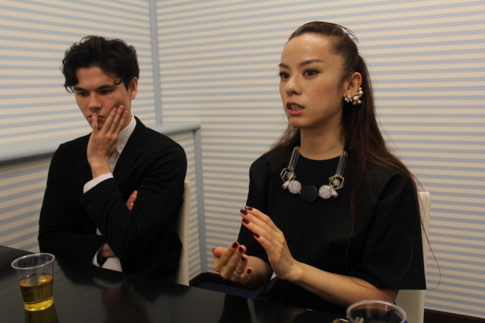 【インタビュー】Azumi × 中島トニー『函館珈琲』への思いや制作背景とは IMG_5922-1-700x467