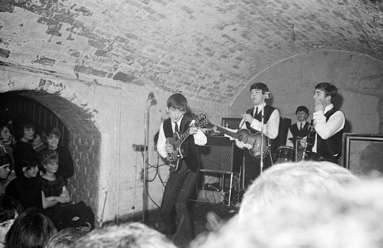 ビートルズ唯一の公式ライヴアルバムリリース!「ライヴバンド」としてのビートルズの歴史を振り返る! music_beatles_4