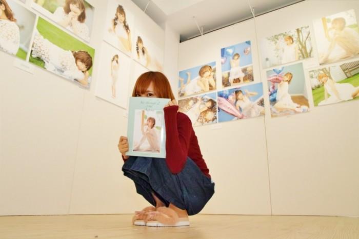 【レポート】鎌田紘子、苺りなはむ参加!すけすけ衣装の<シースルー写真展>がカワユすぎる! 0004-700x466