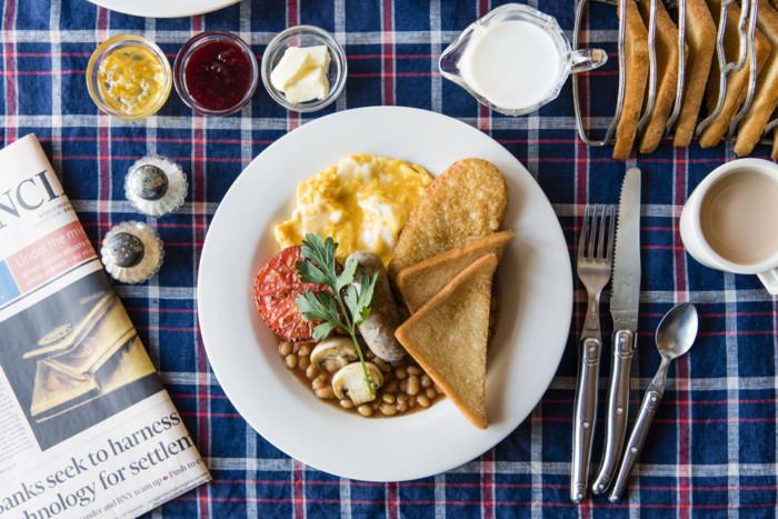 朝ご飯を通して世界を旅しよう!イギリスの伝統的朝食「フルブレックファスト」が外苑前に登場 FOOD_161025WBD_1-700x467