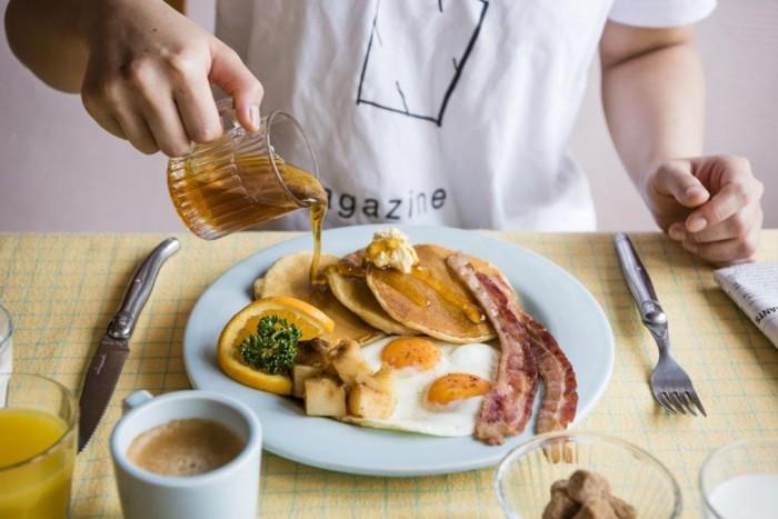 朝ご飯を通して世界を旅しよう!イギリスの伝統的朝食「フルブレックファスト」が外苑前に登場 FOOD_161025WBD_3-700x467