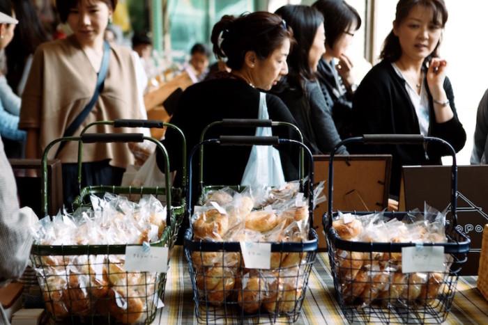 9種のジャム、10種のブドウを食べ比べ、食欲の秋を満喫!<青山パン祭り>開催! food161012_panmatsuri_1-700x467