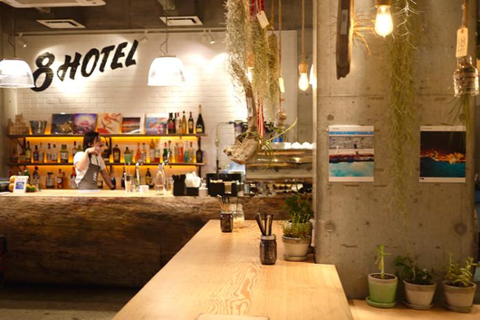 湘南・藤沢の「8HOTEL」で写真展<8HOTEL × TOMS presents Photo Exhibition #8traveler>開催中! life161013_8hotel_1-700x467