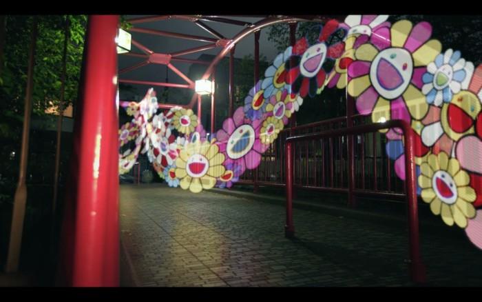シュウ ウエムラ×村上隆のクリスマス・スペシャルムービー公開!「フラワー」が東京をラッピング?
