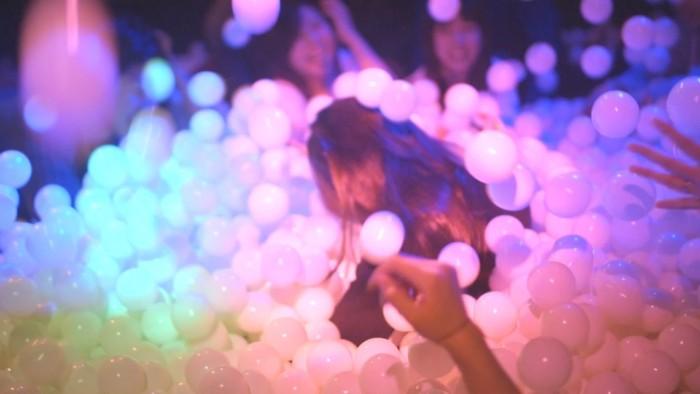 <たまパ>に「9nine」佐武宇綺がDJ出演! 5万個のボール×プロジェクションマッピング×音楽イベント #tamapa life161127_tamapa_5-700x394