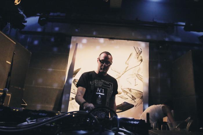 先週の<SETSUZOKU LOUNGE>レポート!今週は、DJ DIRTYKRATES a.k.a. ZEEBRA、DJ WATARAI、starRoが登場! music161114_setsuzoku_9-700x467