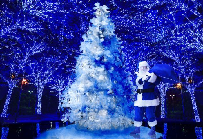クリスマス、<青の洞窟>に雪が降る!巨大ツリー、青サンタも出現!? 0a12b05106bf6733a2e6281195df6c53-700x479