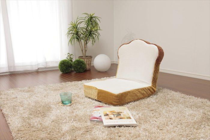 争奪戦必至、幻の「食パン福袋」が登場!目玉焼きに包まれて、ふわふわ食パンに座ろう! 4dc054972c8bdc15029f8ef4edcbbb45-700x467