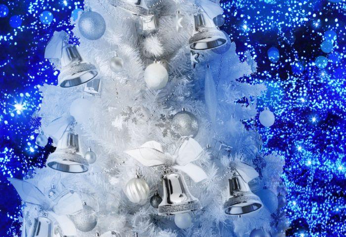 クリスマス、<青の洞窟>に雪が降る!巨大ツリー、青サンタも出現!? 6c05116ad1b098ed6af01323965474c4-700x479