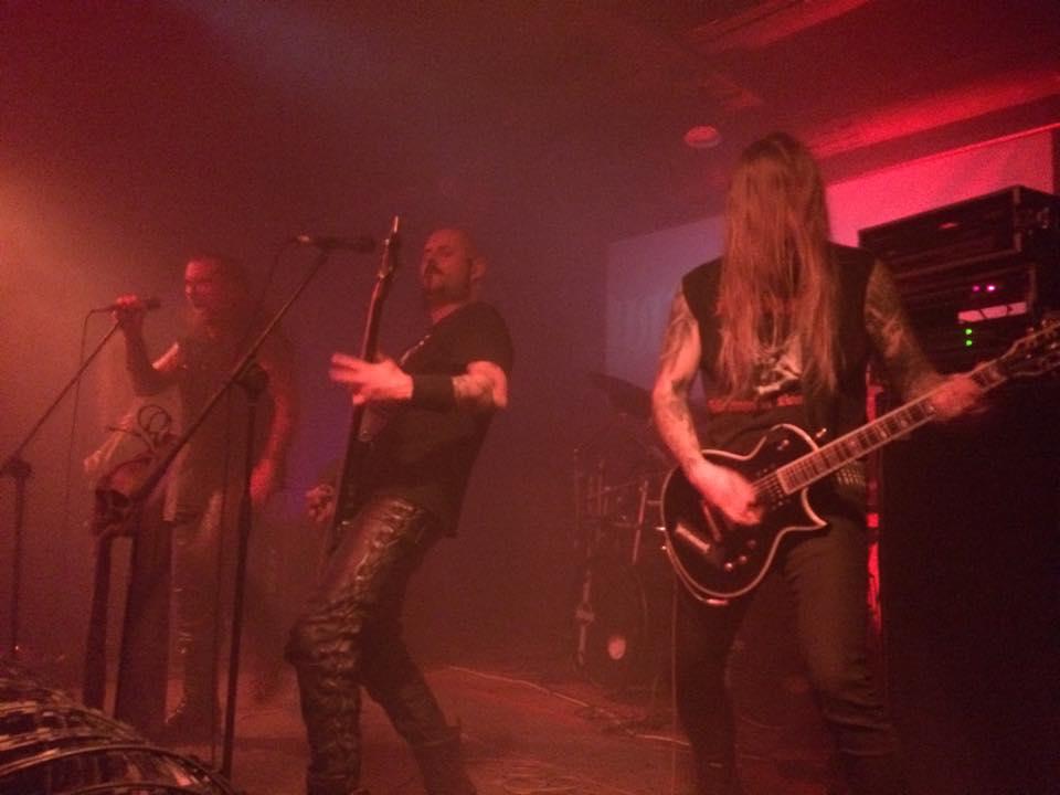 ポーランドのメタル界一有名なバンド「Behemoth」の練習スタジオに潜入してみた fccbd6a92ff21d1c42d976f5540078eb