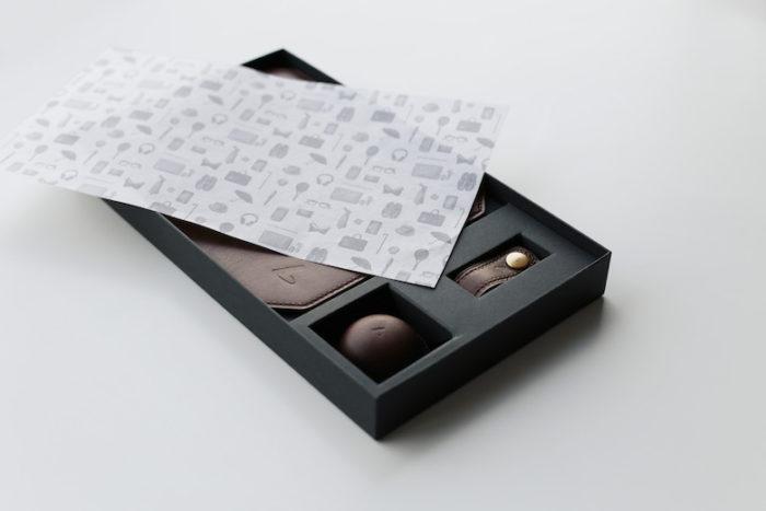 紳士へ贈るバレンタイン?高級チョコレートのような上質の革製品