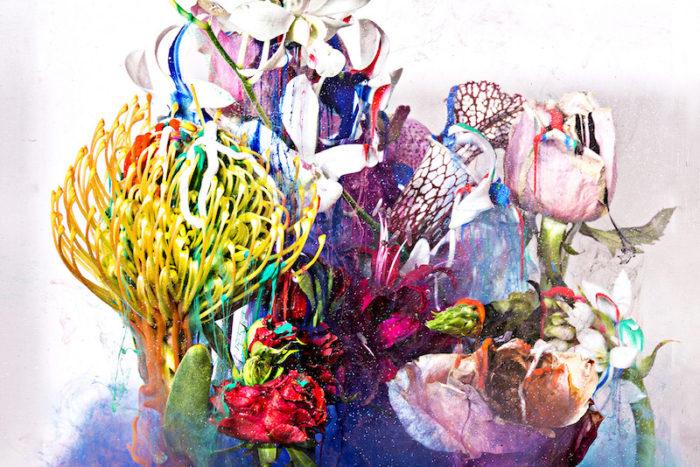 """【インタビュー】朽ちるさまを""""押し花""""で表現——フラワーアーティスト・相壁琢人の「無彩色の痛点」 interview_ahiaikabe_0I2A8101d-700x467"""