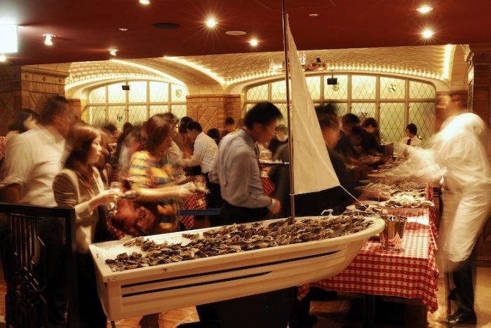 生牡蠣、カキフライ食べ放題&ワイン飲み放題!年に1度の熱狂、牡蠣祭り<オイスター・フレンジー>開催! sub1-11-700x468