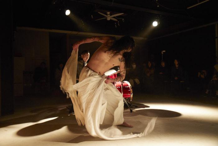 """【インタビュー】ダンサーATSUSHIがベルリンで語る、""""踊る""""ということ。 FR-iwa_0398-700x467"""