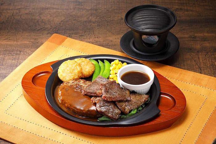 ガスト初専用コンロで「ジュージュー体験」!自分の好きな焼き加減でステーキを food170421_gusto_2-700x466