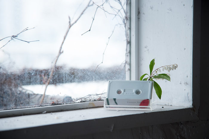 """カセット型一輪挿し花瓶『cassette vase』で""""日常に花と音楽を""""。 art170516_rokkanproduct_7-700x467"""