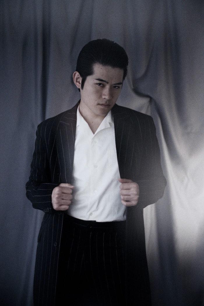 【インタビュー】高岩遼、死のジンクス「27歳」誕生日にジャズライブ開催!「ちょっと待てよ、27歳ってスターが死ぬ歳じゃないか。」 new-jazz-takaiwa-ryo-3-700x1050