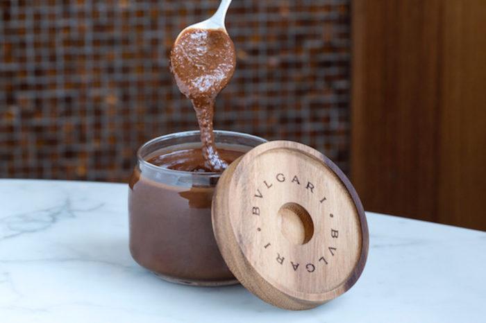 ブルガリのチョコレートブランド初!ヘーゼルナッツクリームは味が気になる衝撃価格? food170612_bulgari_2-700x466