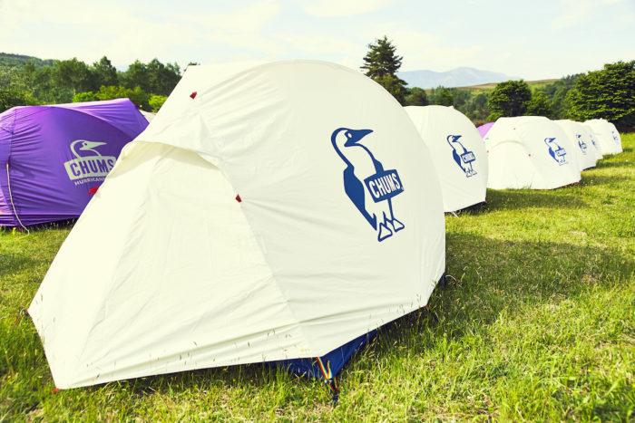 今年の<CHUMS CAMP>は「音楽・笑い・食」!アウトドア初心者もコテージでのんびり♪ life170602_chums2-700x467
