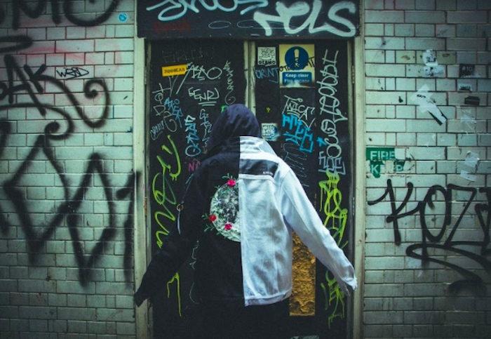 「真の意味で死ぬ者はいない」新鋭ストリートブランド『ナードユニット』イギリスで大規模撮影の最新コレクション公開! life170612_nerdunit_2-700x483