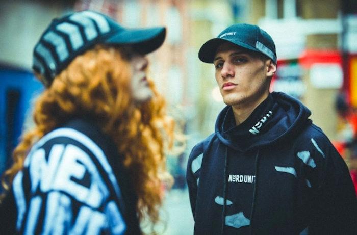 「真の意味で死ぬ者はいない」新鋭ストリートブランド『ナードユニット』イギリスで大規模撮影の最新コレクション公開! life170612_nerdunit_7-700x461