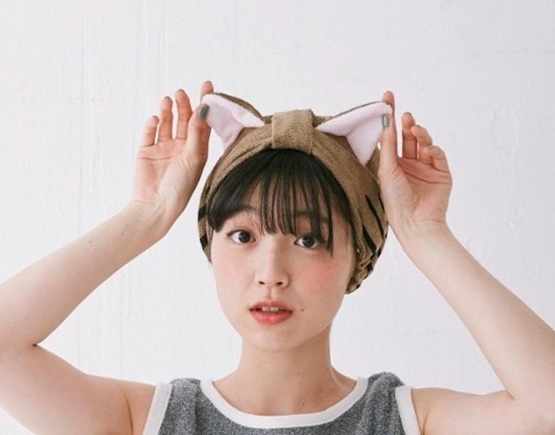 お風呂上がりは猫ちゃんに。ピーンと立った猫耳で、グルーミングする猫になったような気分を sub1-12