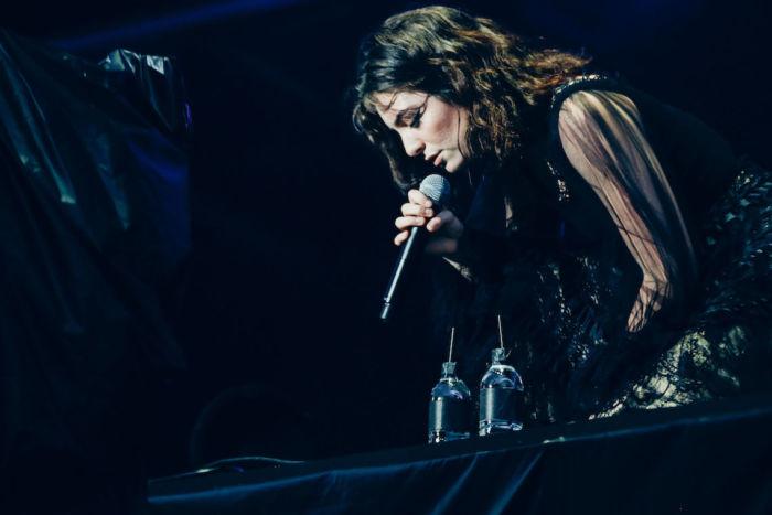 【フジロックライブ&フォトレポ】大人になって戻ってきた歌姫ロード。でも、可愛いです……! Lorde-170824_31-700x467