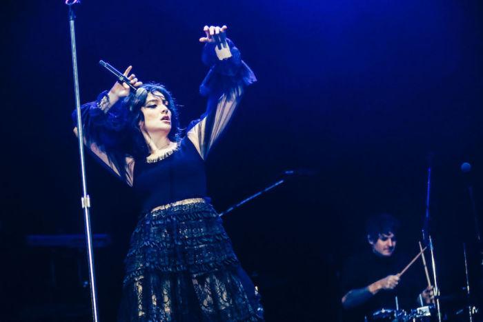 【フジロックライブ&フォトレポ】大人になって戻ってきた歌姫ロード。でも、可愛いです……! Lorde-170824_4-700x467