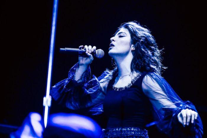 【フジロックライブ&フォトレポ】大人になって戻ってきた歌姫ロード。でも、可愛いです……! Lorde-170824_5-700x467