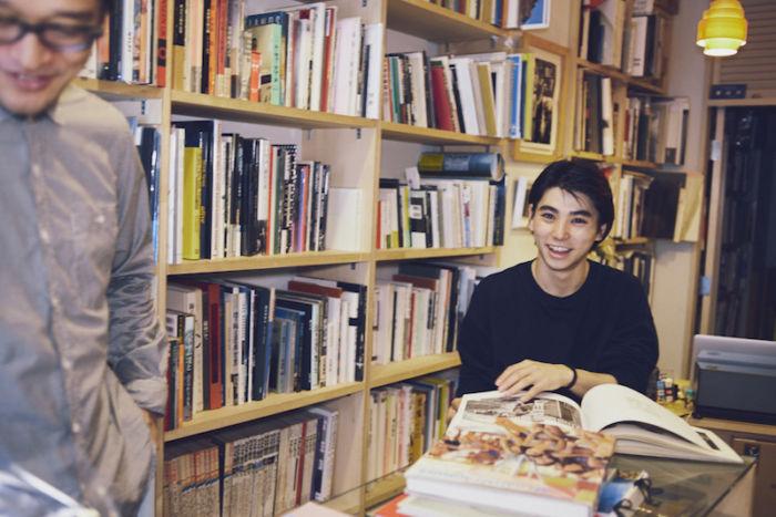 又吉直樹、きゃりーぱみゅぱみゅら21人が好きな本屋とは?雑誌『POPEYE』で本屋特集! art170808_popeye_3-700x467
